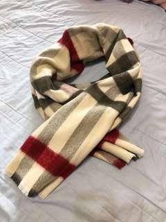 Burberry 風格子圍巾