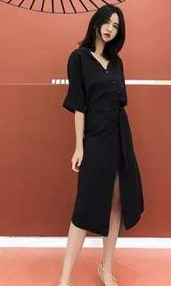 🚚 Black crossover dress