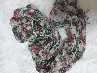 🚚 棉麻花朵圍巾