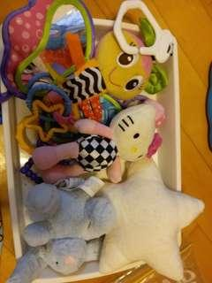 Babytoy, 功能玩具,可掛bb車,白色星星兔仔有音樂