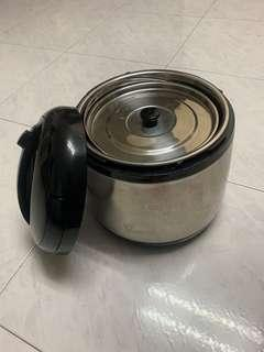 Almost NEW La Gourmet Vacuum pot