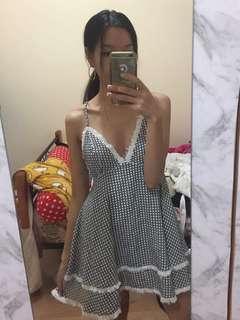 B/w dress