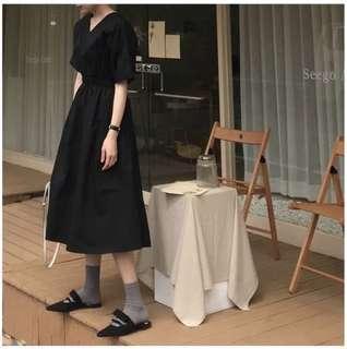 Pre-order | 修腰V領黑色長裙