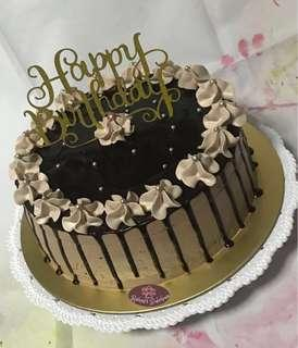 🚚 Chocolate Cake