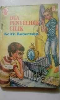 Novel. Dua penyelidik cilik : keith robertson