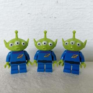 🚚 Lego Toy Story Alien (originally from Lego Toy Story 3, not the Disney Series minifigure). Price is per figure