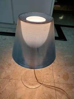 Miss K by FLOS desk lamp, adjustable lightness.