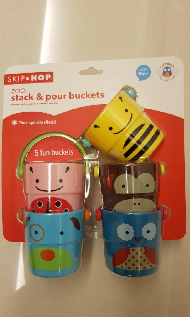 Multi Rinse Cups Skip Hop Zoo Stack and Pour Buckets