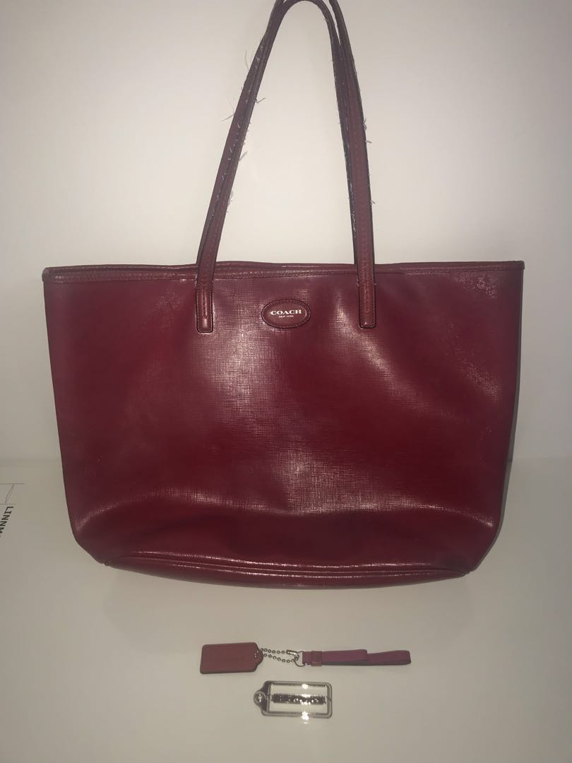 755cf25a5 Coach Red Tote, Women's Fashion, Bags & Wallets, Handbags on Carousell