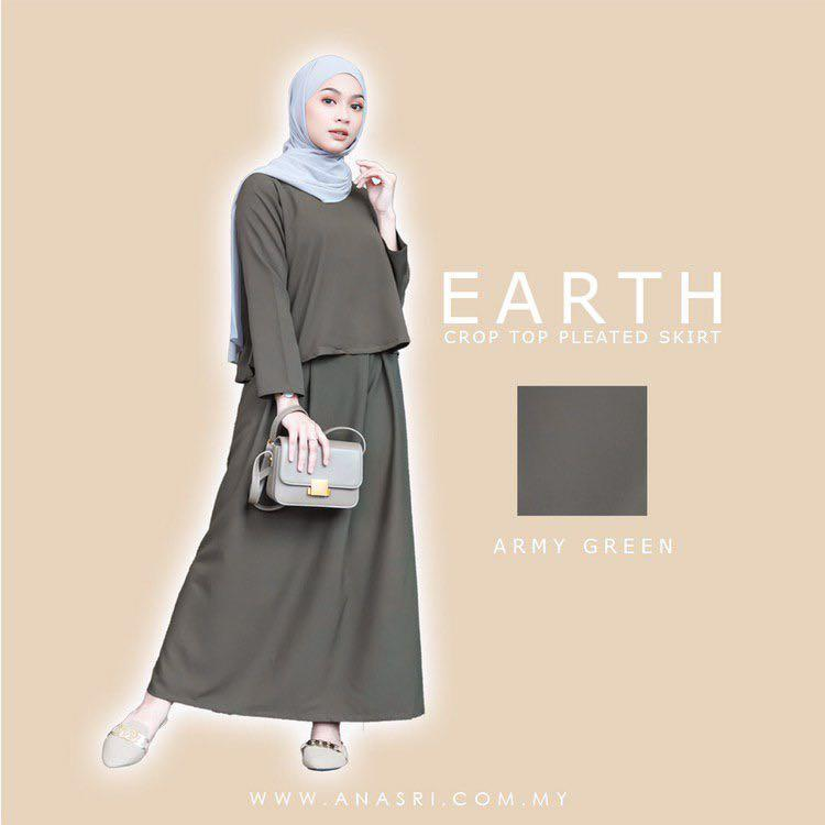 Earth Crop Top Pleated Skirt