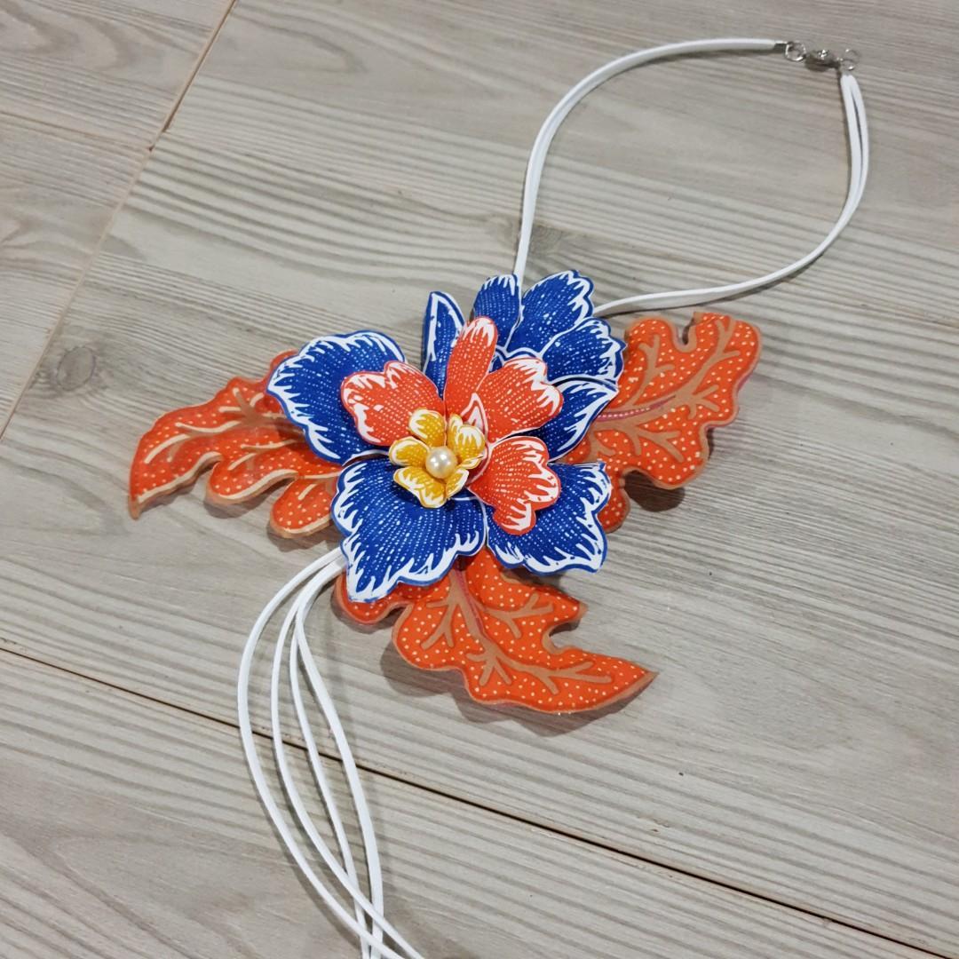 Kalung Bunga Batik Orange