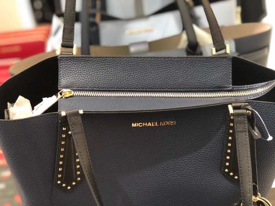 44cae681efd29b Michael Kors KIMBERLY Large Studded Bonded Leather Tote, Women's Fashion,  Bags & Wallets, Handbags on Carousell
