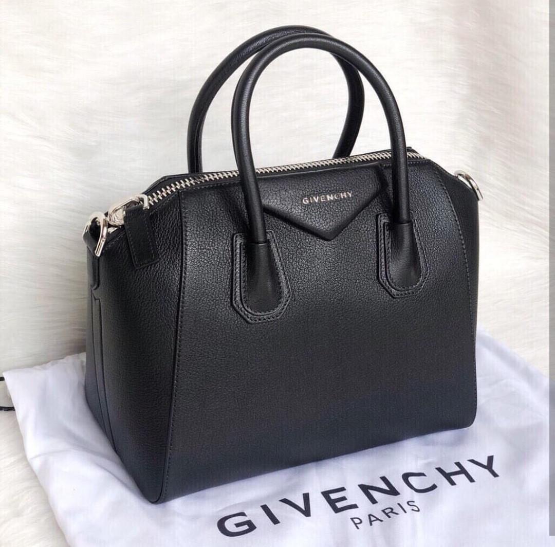 New Givenchy Small Antigona in Black Grained Good Deal price 30cm x 22cm x 16cm