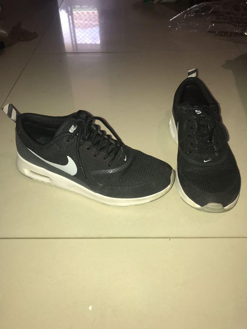 Nike Air Max Thea Runners  Sneakers Sports Gym Shoes Size US 7