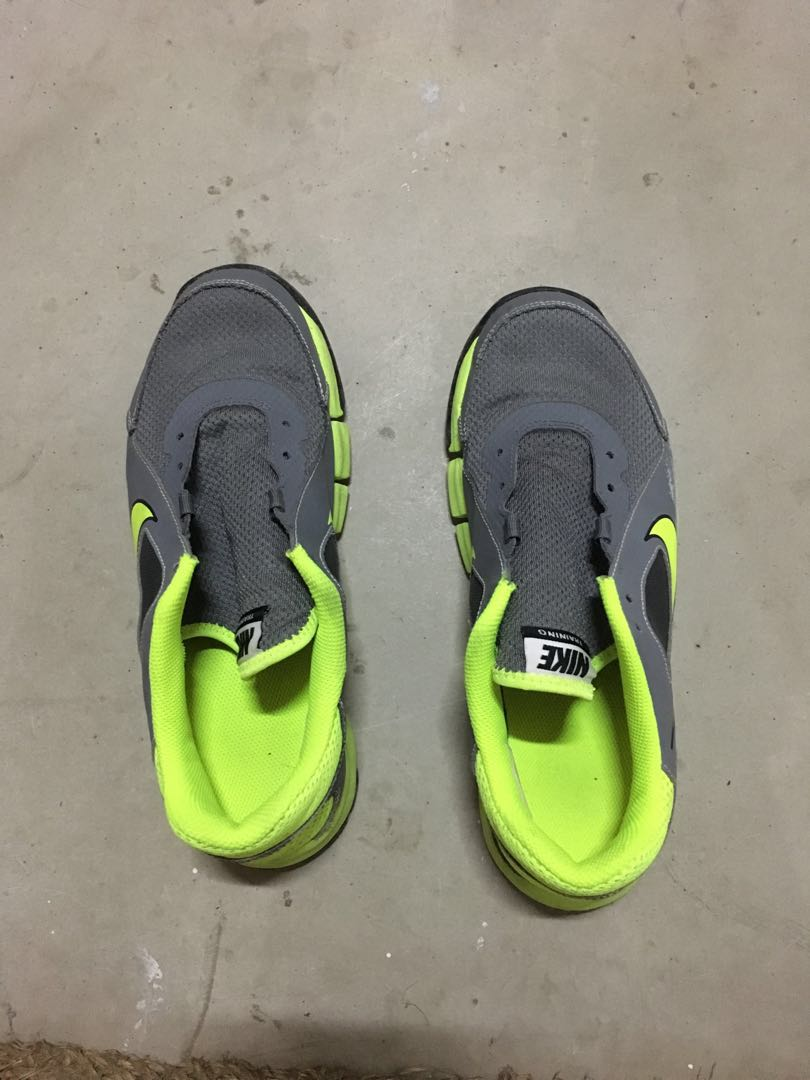 wholesale dealer 7cebe 88c89 Nike Running shoes, Men s Fashion, Footwear, Sneakers on Carousell