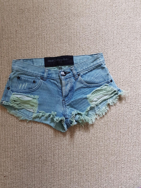 one teaspoon denim shorts frayed size 6 short shorts