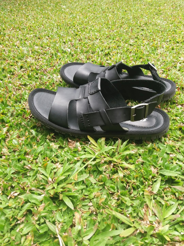 sepatu sandal pria