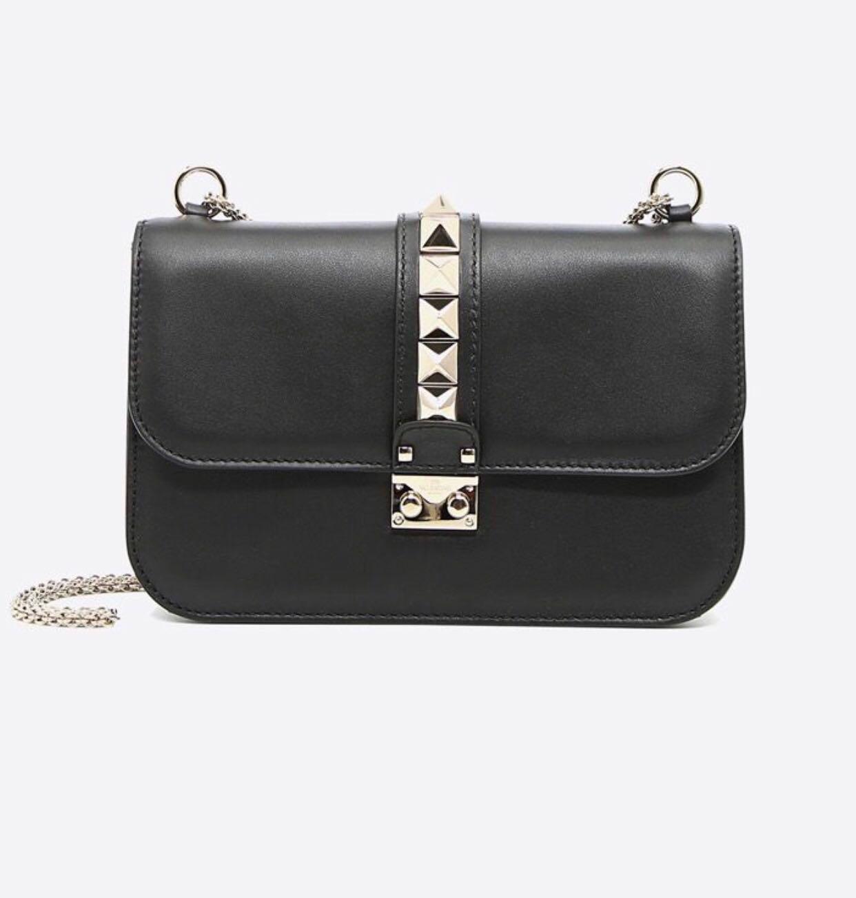 5dbae589a83 Valentino rockstud bag Medium ( Fast deal $1900), Women's Fashion ...