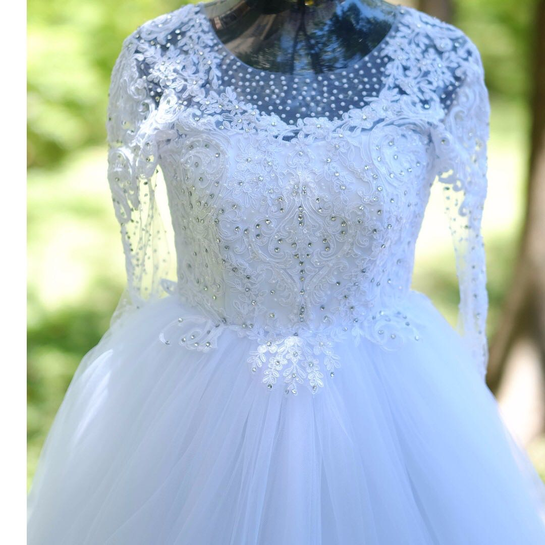 d78c8af1fe7 wedding gown for SALE (simple but elegant)