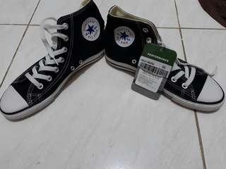 Converse High Cut Black Sneakers(US 8.5)