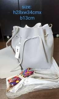 🚚 Brand new light grey bucket bag with 2 slings strap