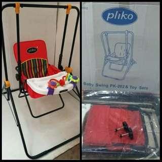 Preloved Baby Swing merk Pliko plus mainan
