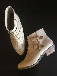 Forever 21 cream ankle boots - Size 6 *JUST MARKED DOWN*