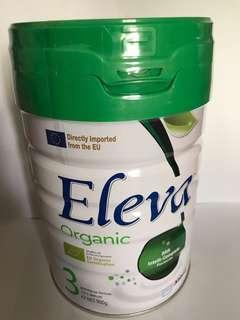 Eleva organic 3 900G 奶粉