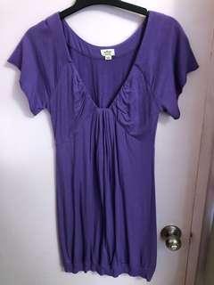 Aritzia/Wilfred v-neck dress