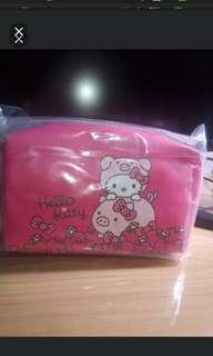 Hello Kitty 豬年化妝包(紅色款