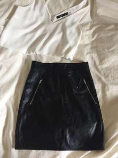 Size 6 leather look skirt