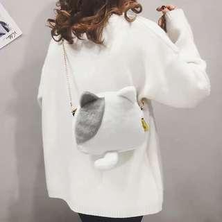 🚚 Po: plush kitty cat sling bag