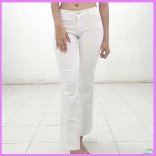 Celana putih cutbray