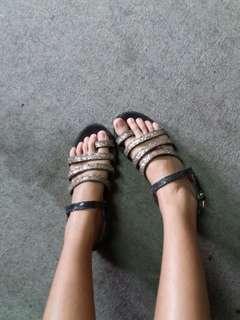 sepatu sandal wanita