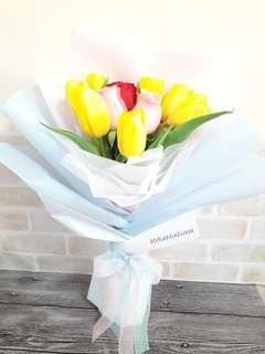 Fresh Flower 🌼🌸🌷 Cheerful Tulips and Roses