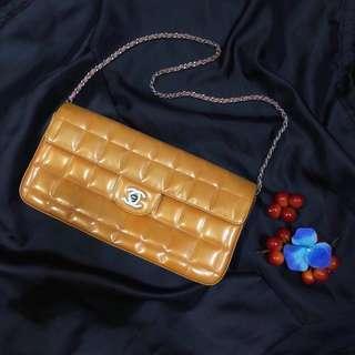 🚚 Rent Chanel East West Orange Patent Leather Handbag