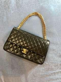🚚 Rent Chanel Vintage Classic Quilted Shoulder Bag with GHW
