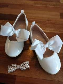 H n M white shoes with bow New pretty sweet