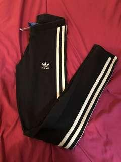 ADIDAS Black tights with 3 stripes (XS)