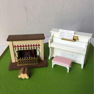 Sylvanian families fireplace & upright piano