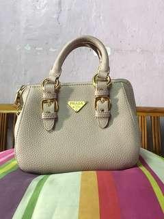 Preloved handbag prada great AAA