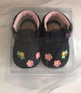 Baby Shoes NEW!! (Size 1 / 0-6m)