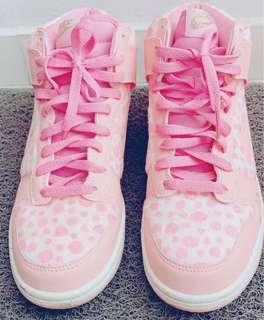 🚚 Nike women's shoes