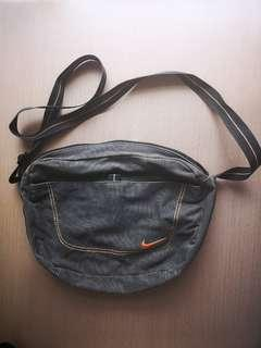 Nike Distressed Grey Sling Bag (Authentic)