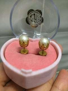 Vintage Pearl Gold Earring