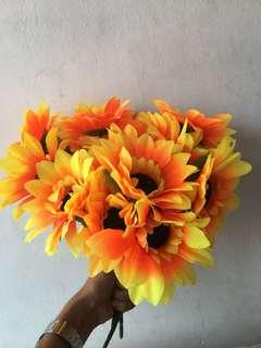 FLOWER BOUQUET CLEAR STORE RM15 ONLY