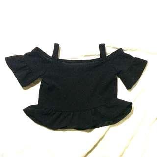 Off shoulder / cold shoulder black top