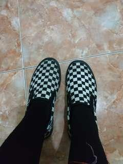 Sepatu Vans Black Checkered Board size 37 Grade Ori
