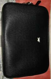 Braun Buffel Clutch (Black)