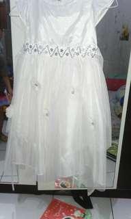 Gaun dress putih